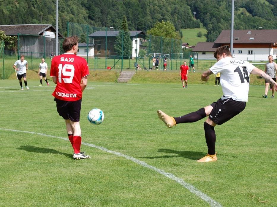 Kaiserwetter herrschte am ersten Spieltag beim Ortsvereineturnier in Schruns.