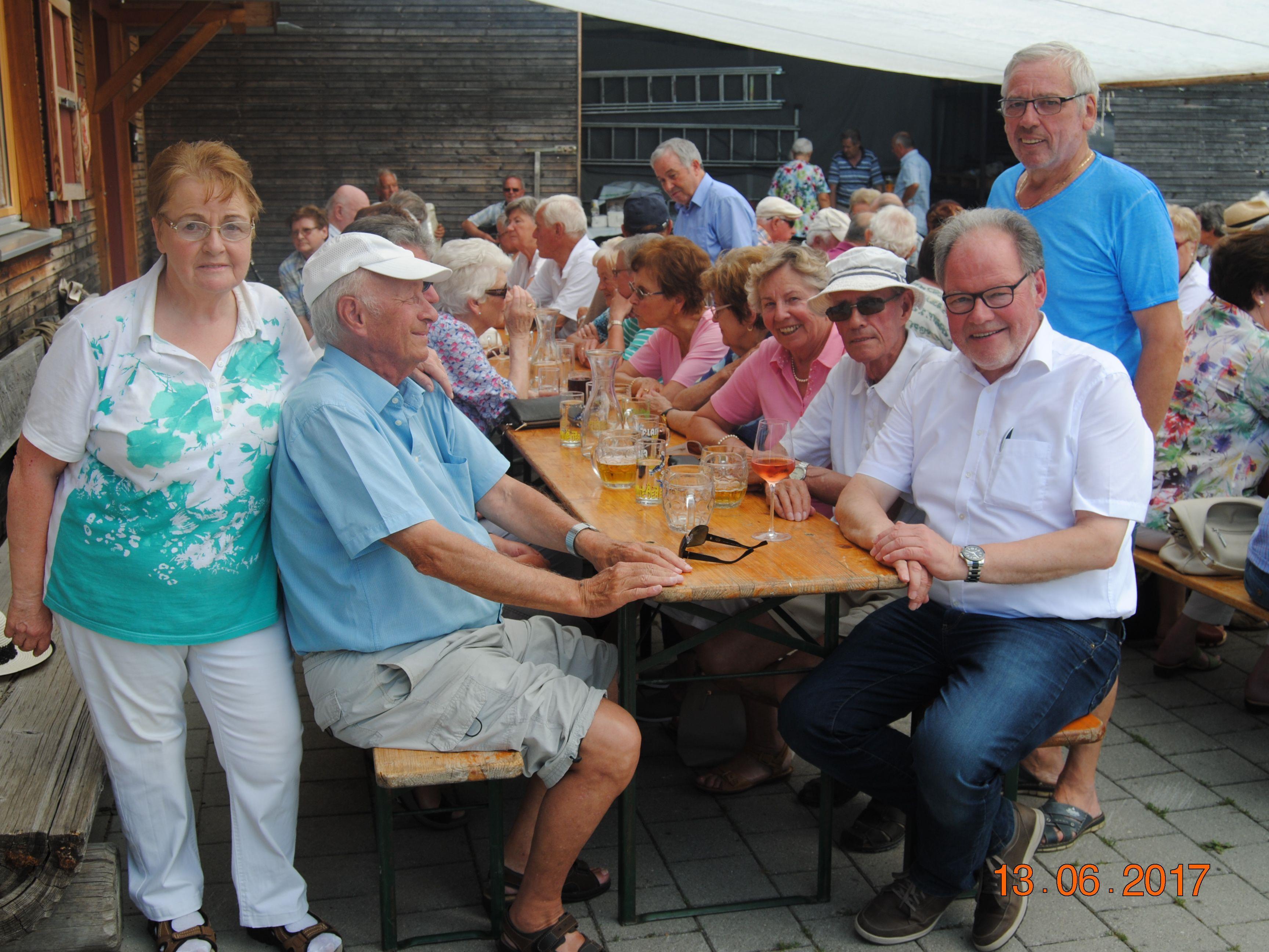 Auch den EhrengästenLandesobmann Werner Huber ,Obmann von Koblach Walter Ellensohn und Ehrenobmann Werner Weber ha