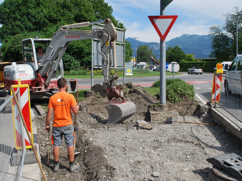 Bauarbeiten beim Engel-Kreisverkehr für mehr Sicherheit für Fußgänger und Radfahrer.