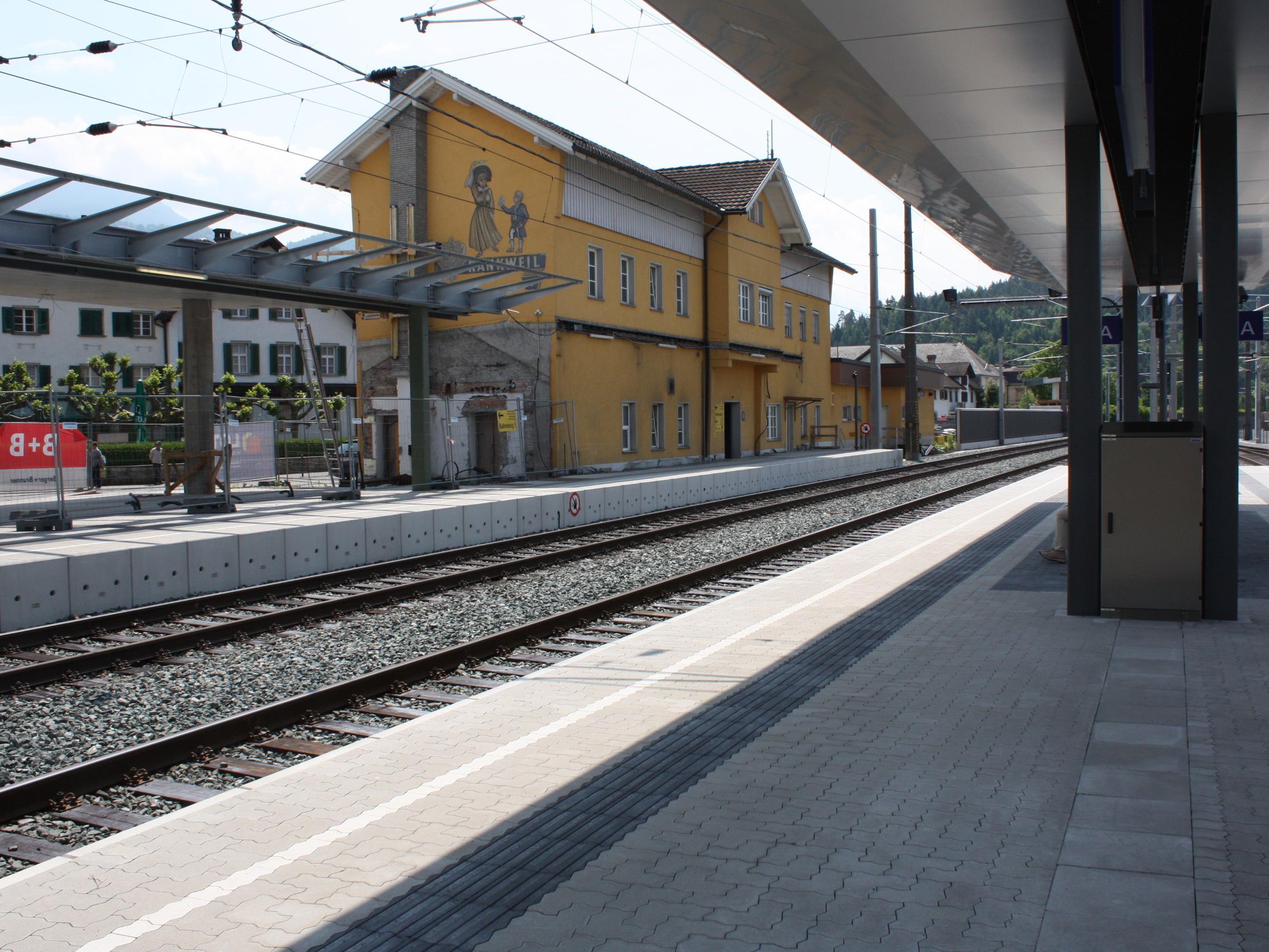 Die Tage des alten Bahnhofgebäudes sind gezählt. In der aktuellen Bauetappe erfolgt sein Abbruch.