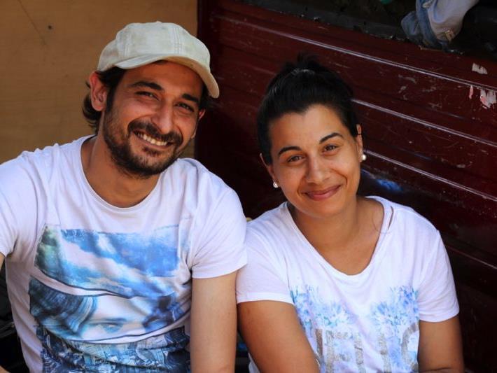 Dragan und Alina beim großen Flohmarkt in Altenstadt an Fronleichnam.