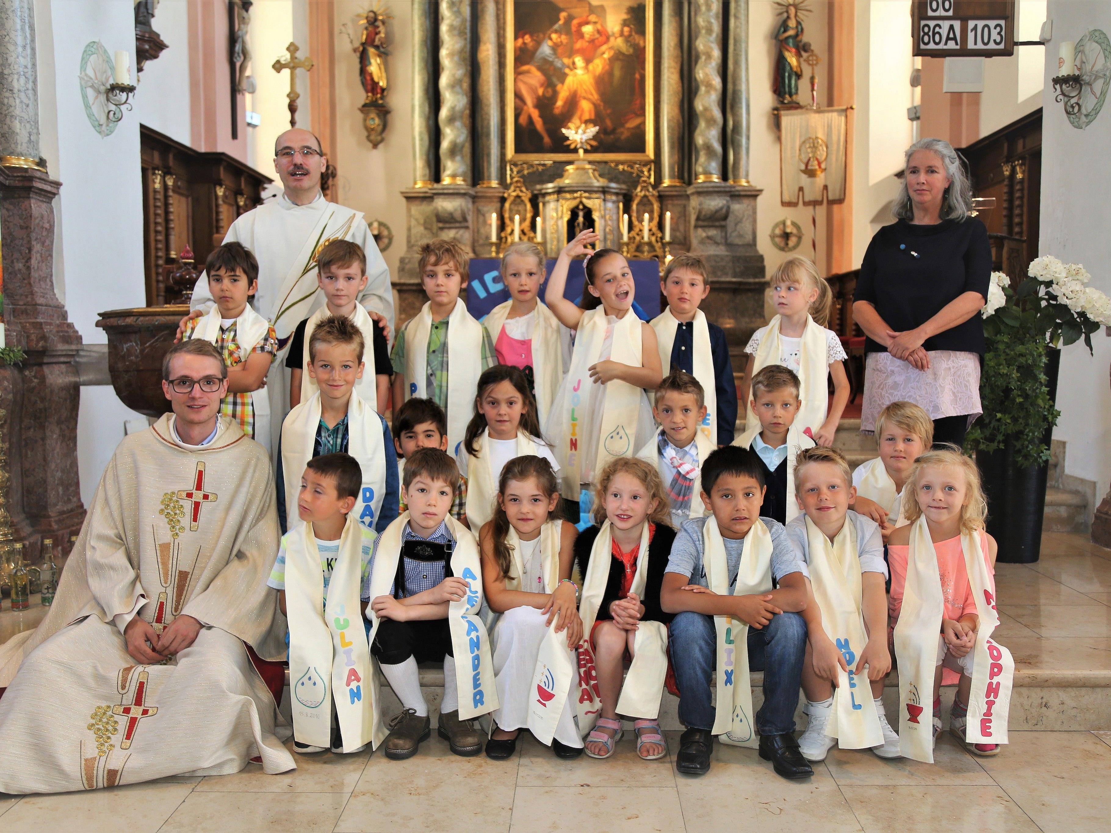 20 Kinder erneuerten ihre Taufe vergangenen Sonntag in Thüringen.