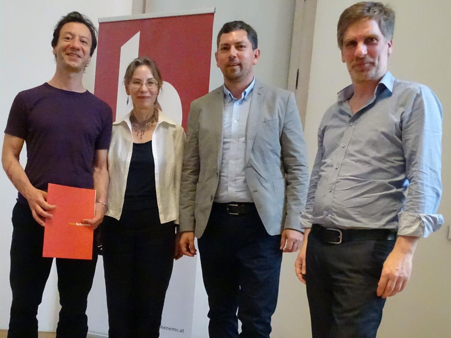 Selim Özdogan, Festrednerin Anna Mitgutsch, StR. Markus Klien und Winfried Nußbaummüller (v.l.).