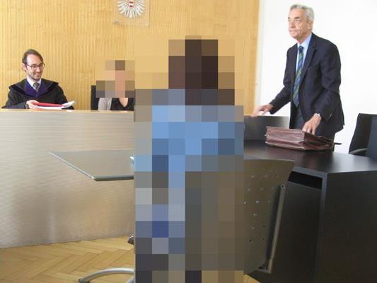 Prozess gegen eine Bankangestellte am Landesgericht Feldkirch.