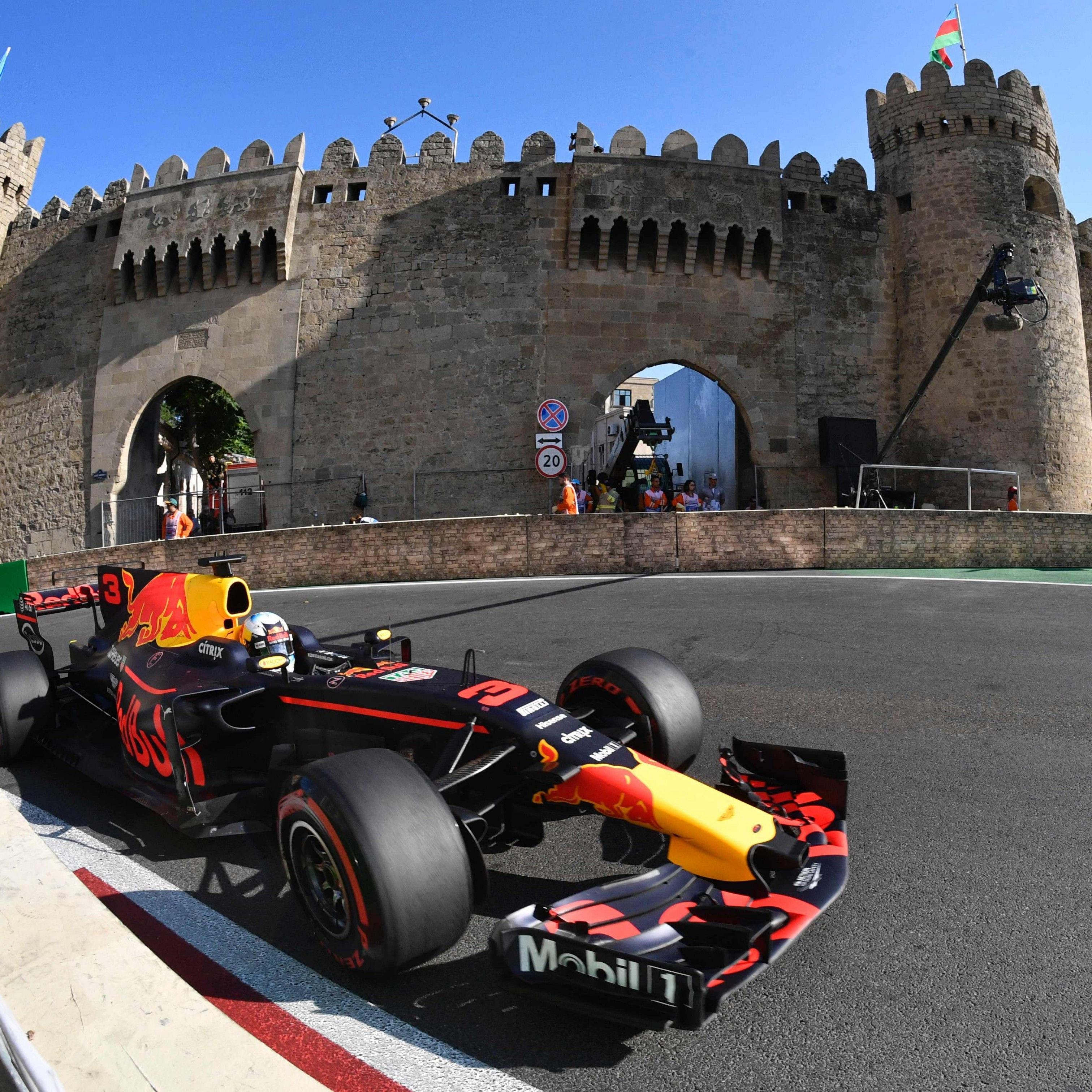Australier Ricciardo gewinnt Chaos-Rennen in Baku.