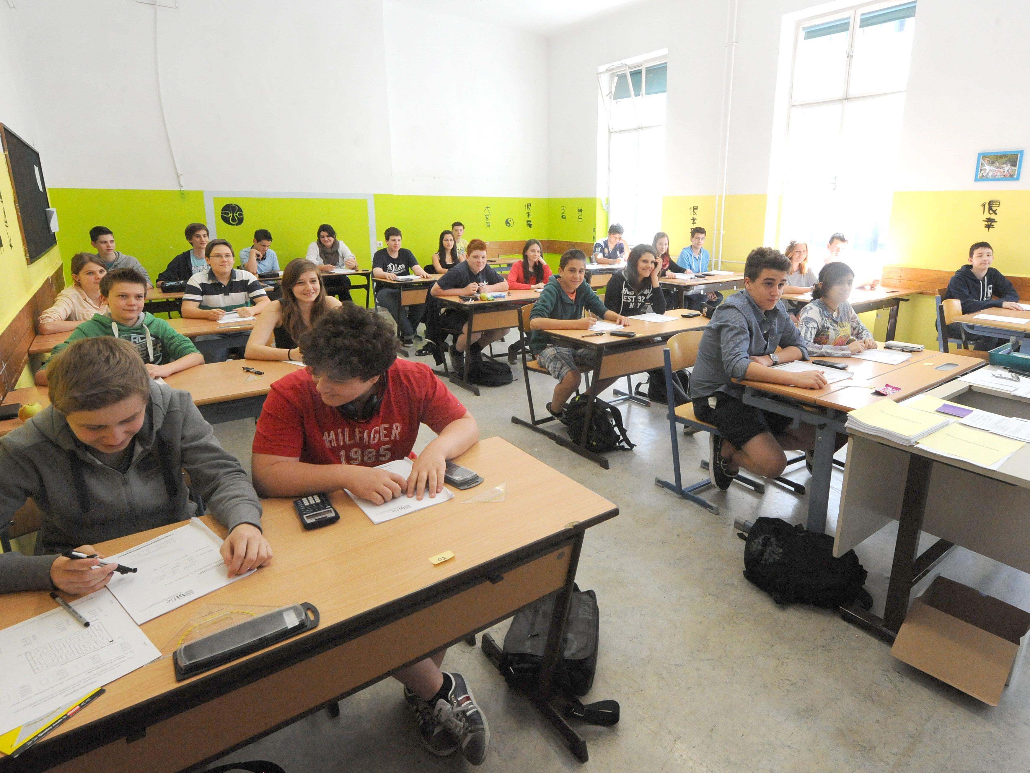 Sind Sie der Meinung, dass die Schul-Modellregion Vorarlberg kommen soll?