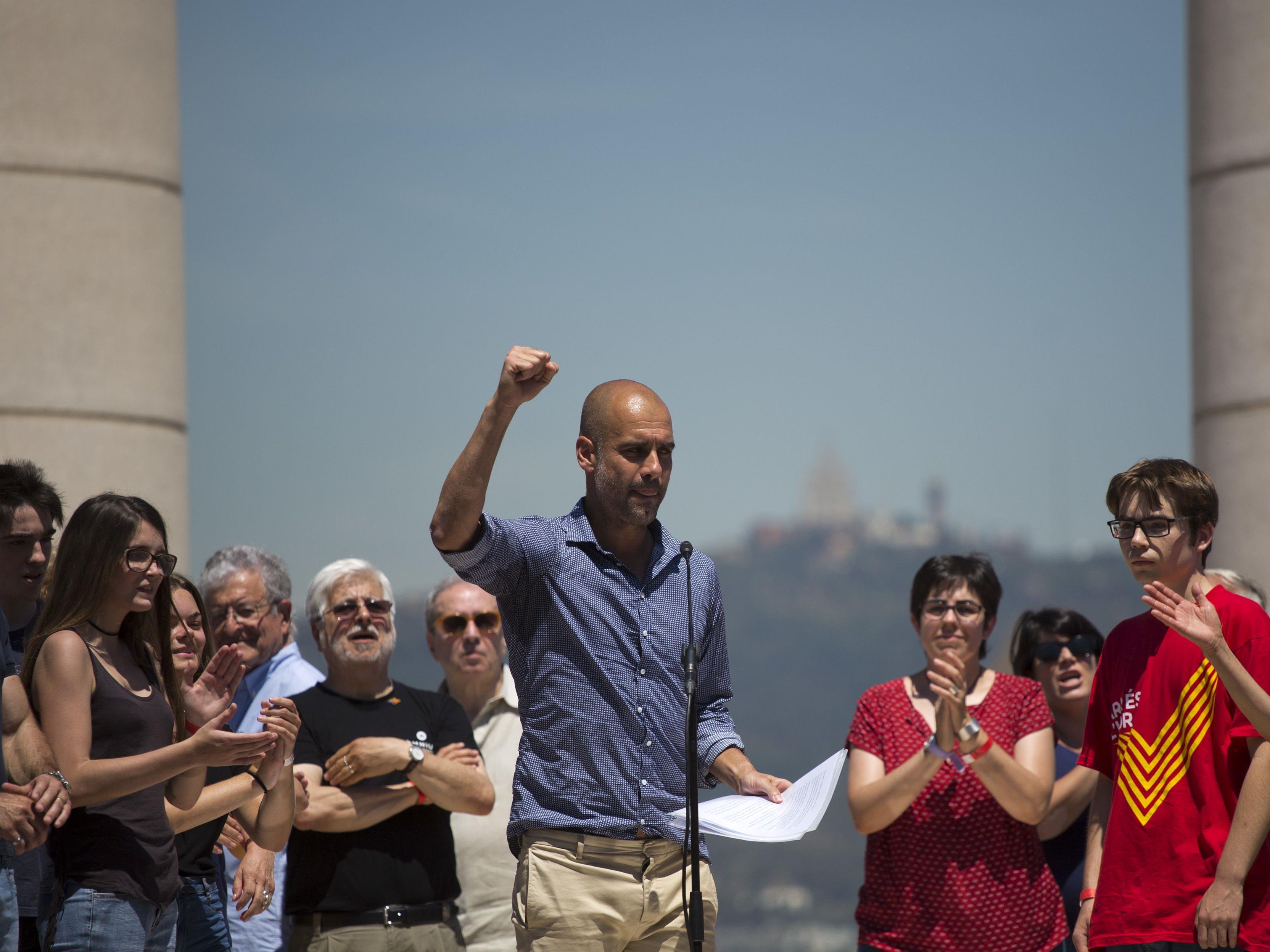 Trainer von Manchester City sieht Demokratie in Spanien bedroht.