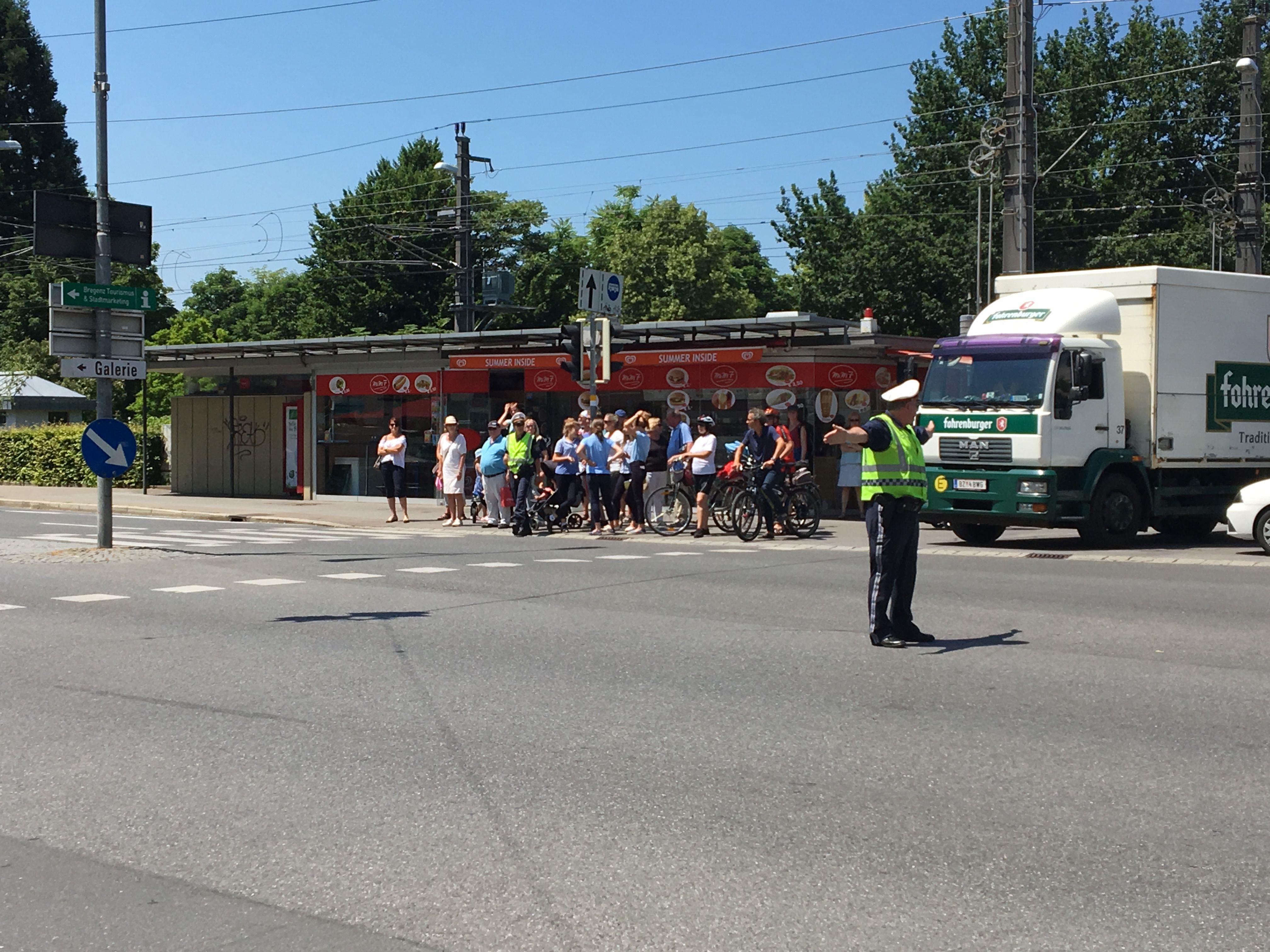 Die Polizei musste die Verkehrsführung übernehmen.
