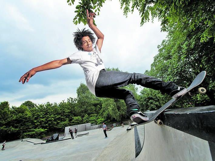 Der Skatesport wird im Jahr 2020 sogar zur olympischen Disziplin. Auch Vorarlberg hat viele Talente hervorgebracht, im Bild Chris Pfanner im Skatepark in Bregenz.