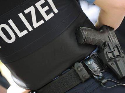 Durch einen Warnschuss konnte die Polizei den Bankräuber stoppen.
