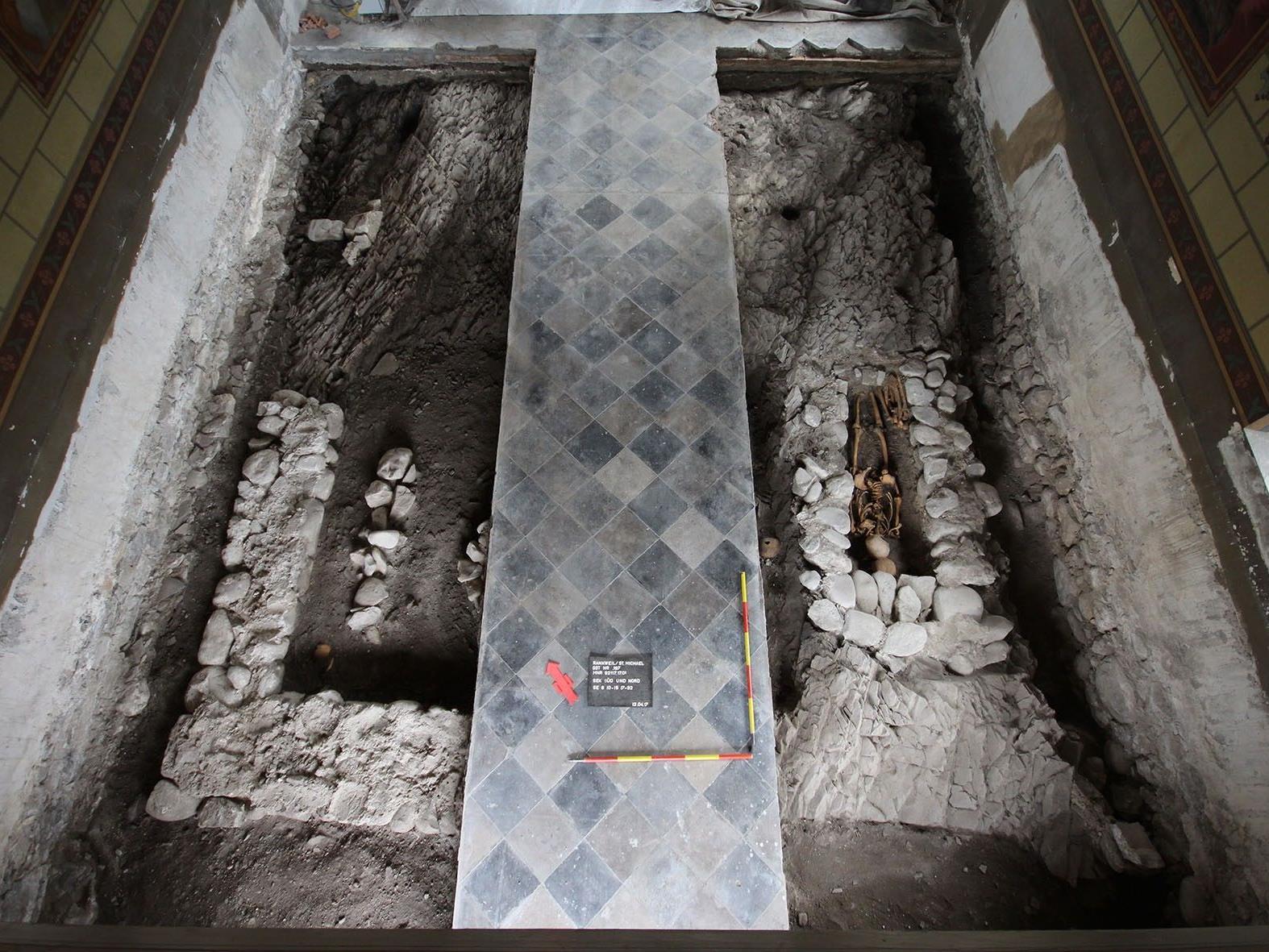 Das Grabungsfeld in der St. Michael-Kirche auf dem Liebfrauenberg in Rankweil