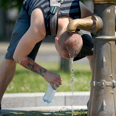 Diese 10 Tipps machen die Hitze erträglicher.