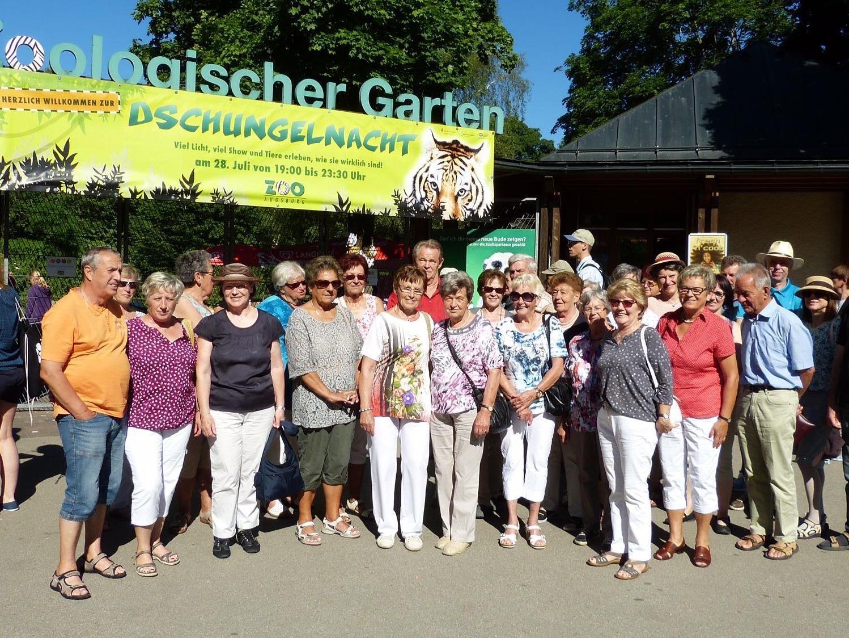 Kneipp-Aktiv-Club Altach vor dem Zoo in Augsburg