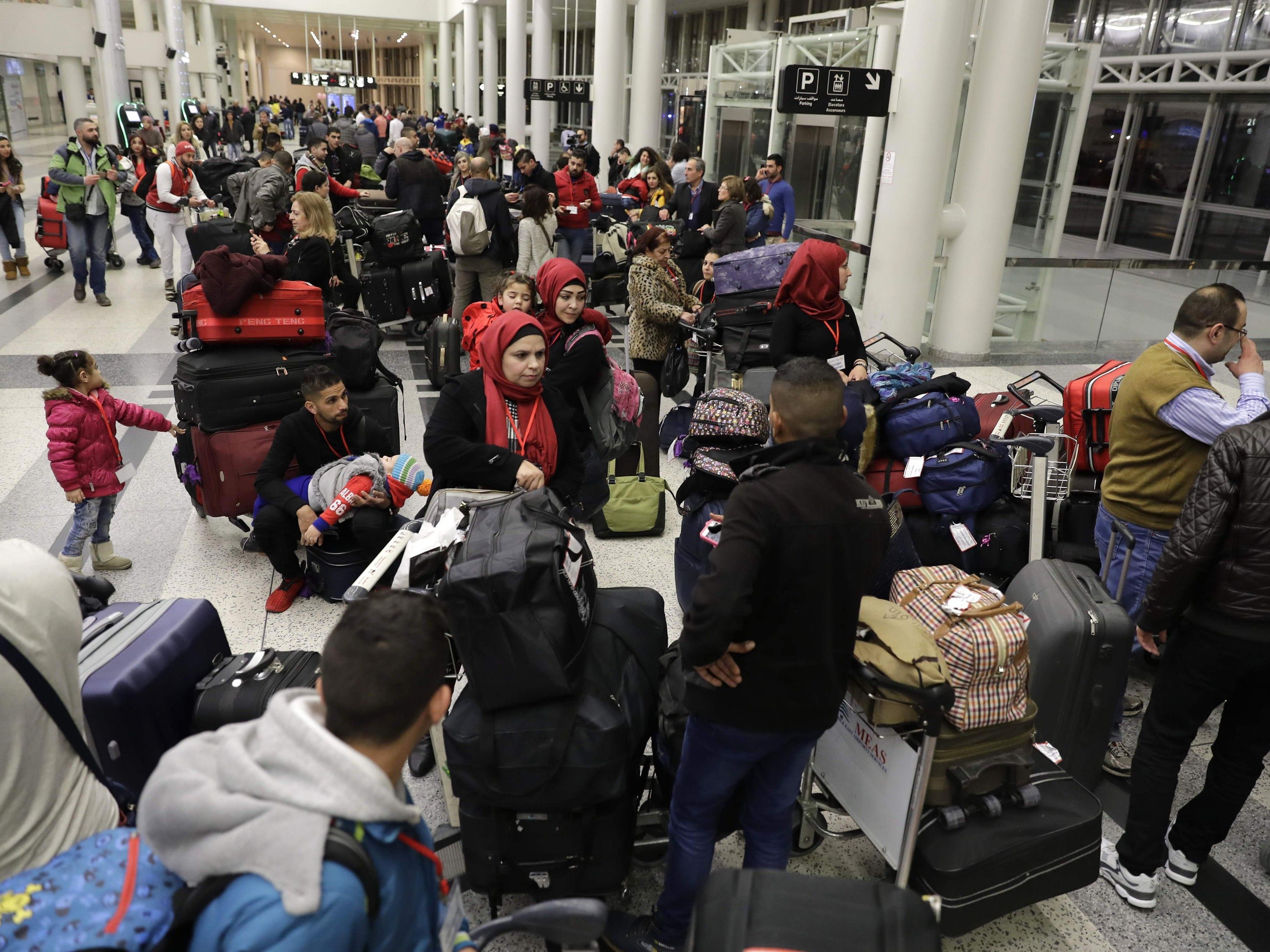 Bis zu 200.000 Personen könnten das Land verlassen.