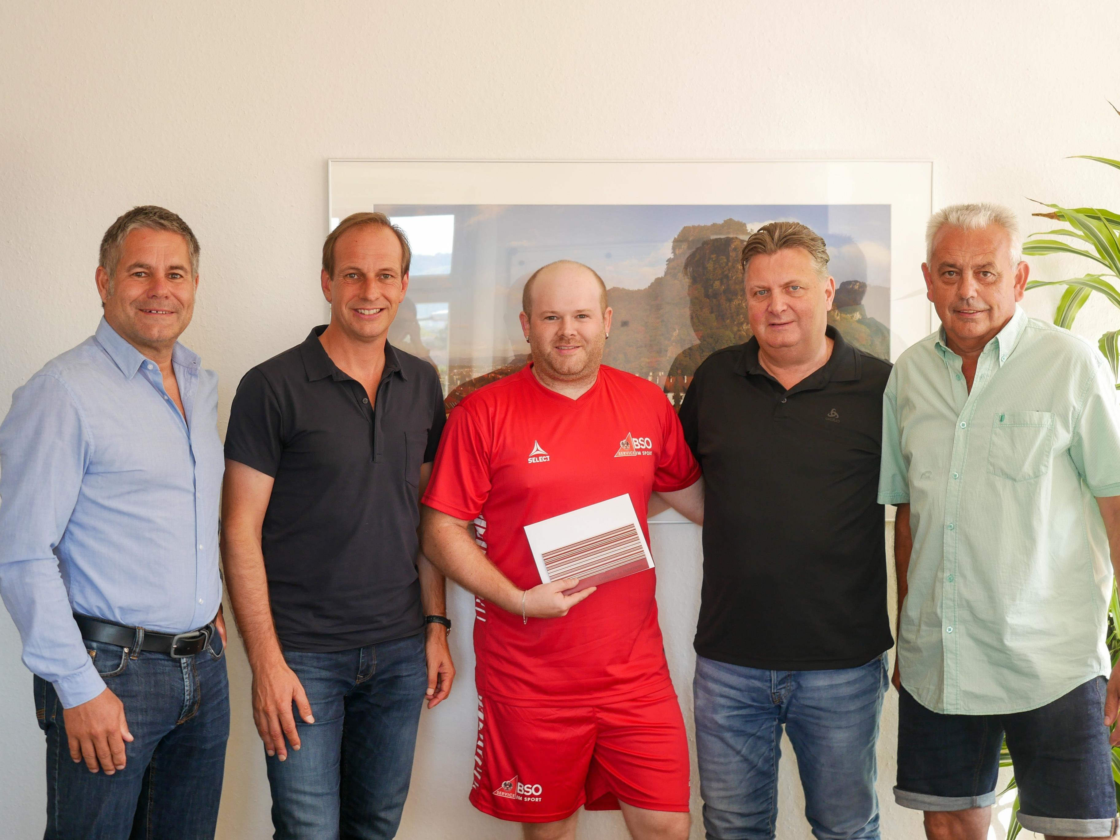 v. l. Michael Derka, Bürgermeister Dieter Egger, Philipp Wolfgang, StR. Friedl Dold und Kurt Luif