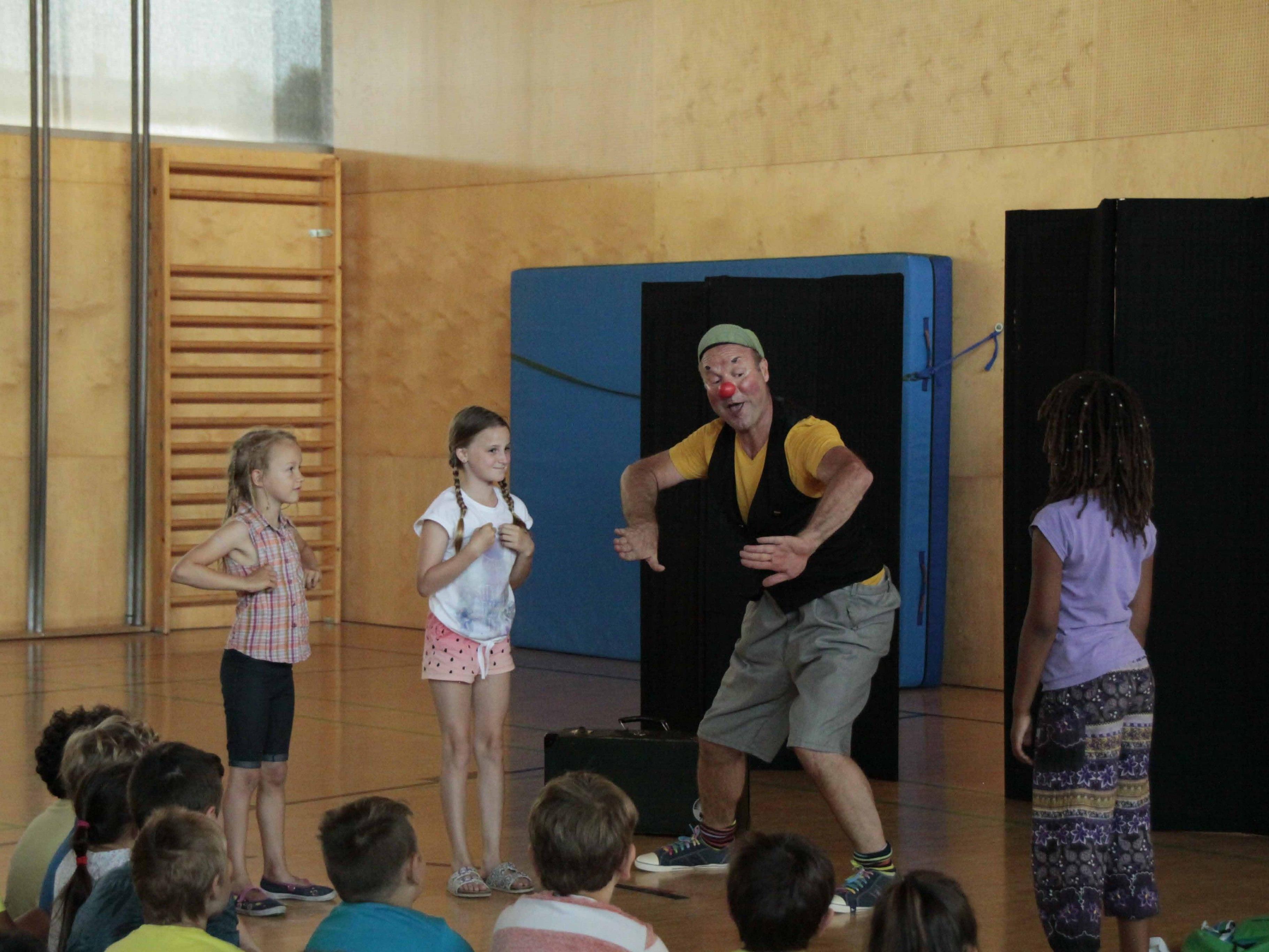 Jede Menge Spaß hatten die Kinder mit Pantomime Clown Schlotterhos
