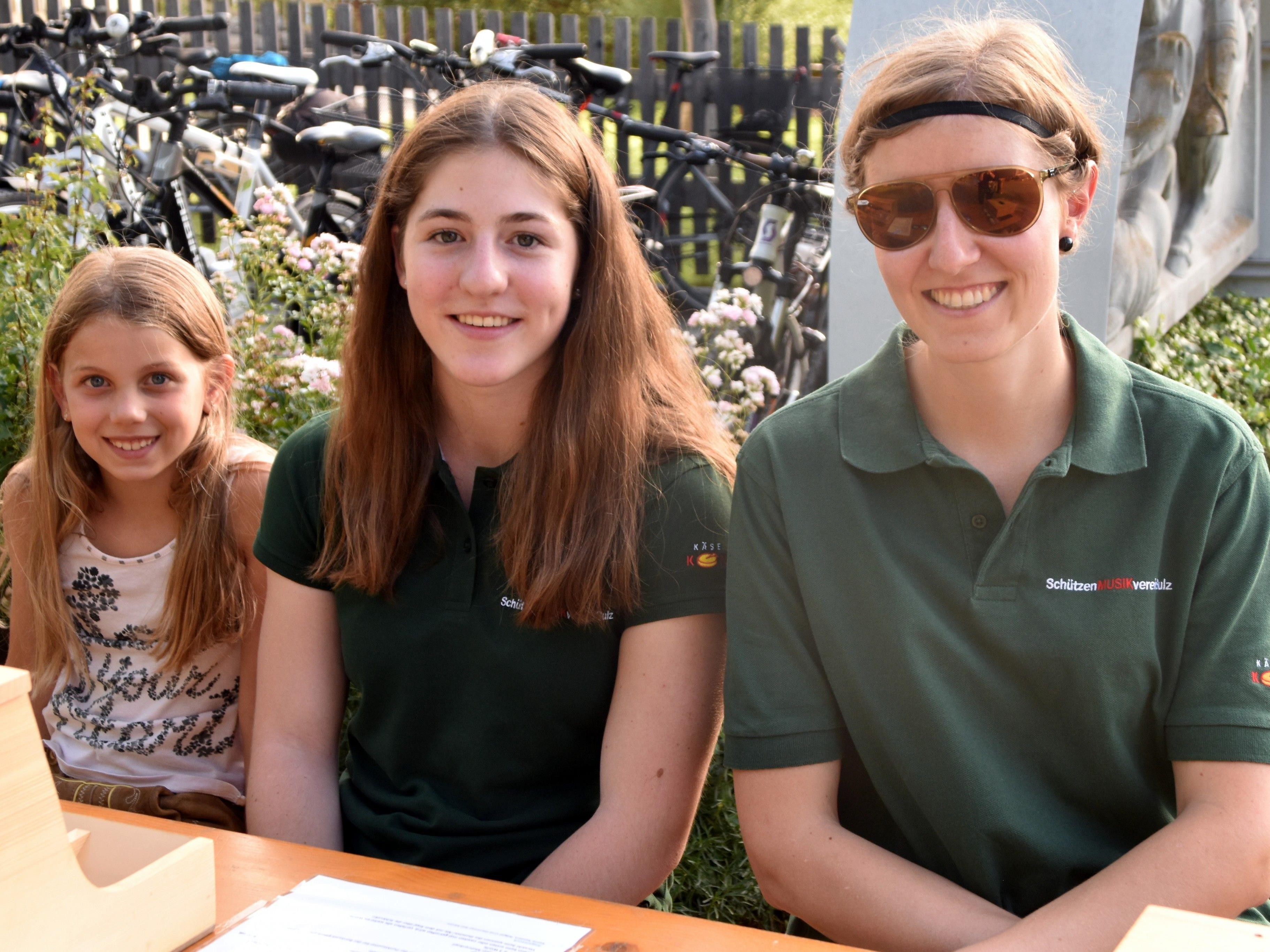 Elisa, Rosa und Johanna freuen sich auf viele SpielerInnen