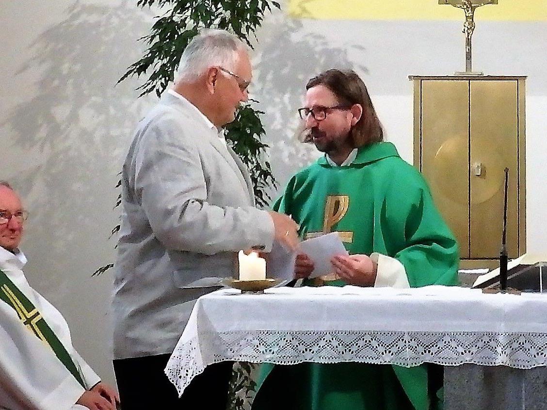 Dank von Klostervater Heinz Seeburger an Pater Johannes für sein 13-jähriges Wirken in Bludenz