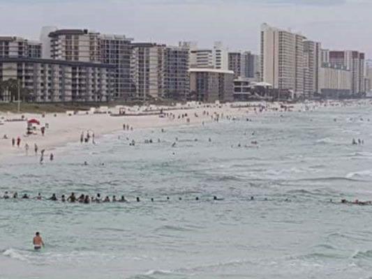 80 Menschen in Florida halfen bei Rettung.