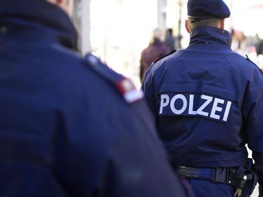 Ein Wiener Polizist soll einen Mann in einer Einrichtung für Wohnungslose geschlagen haben