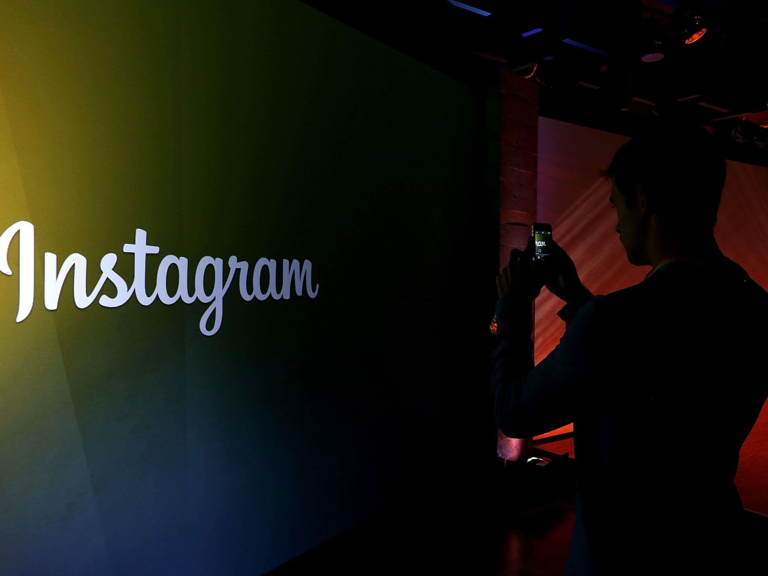 Bei Instagram hat Celeste Barber über 2 Millionen Abonnenten.