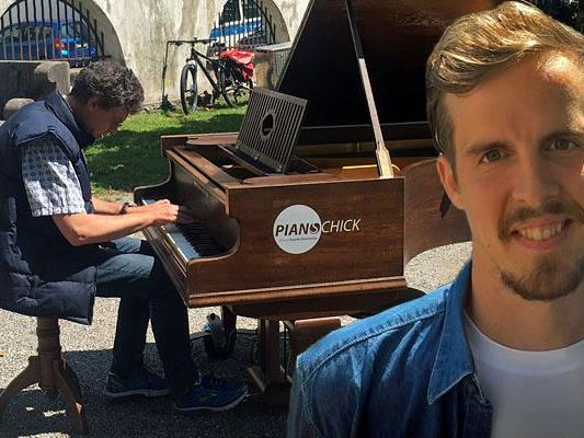 """Nico Schwendinger ist Mitorganisator von """"Open Piano for Refugees""""."""