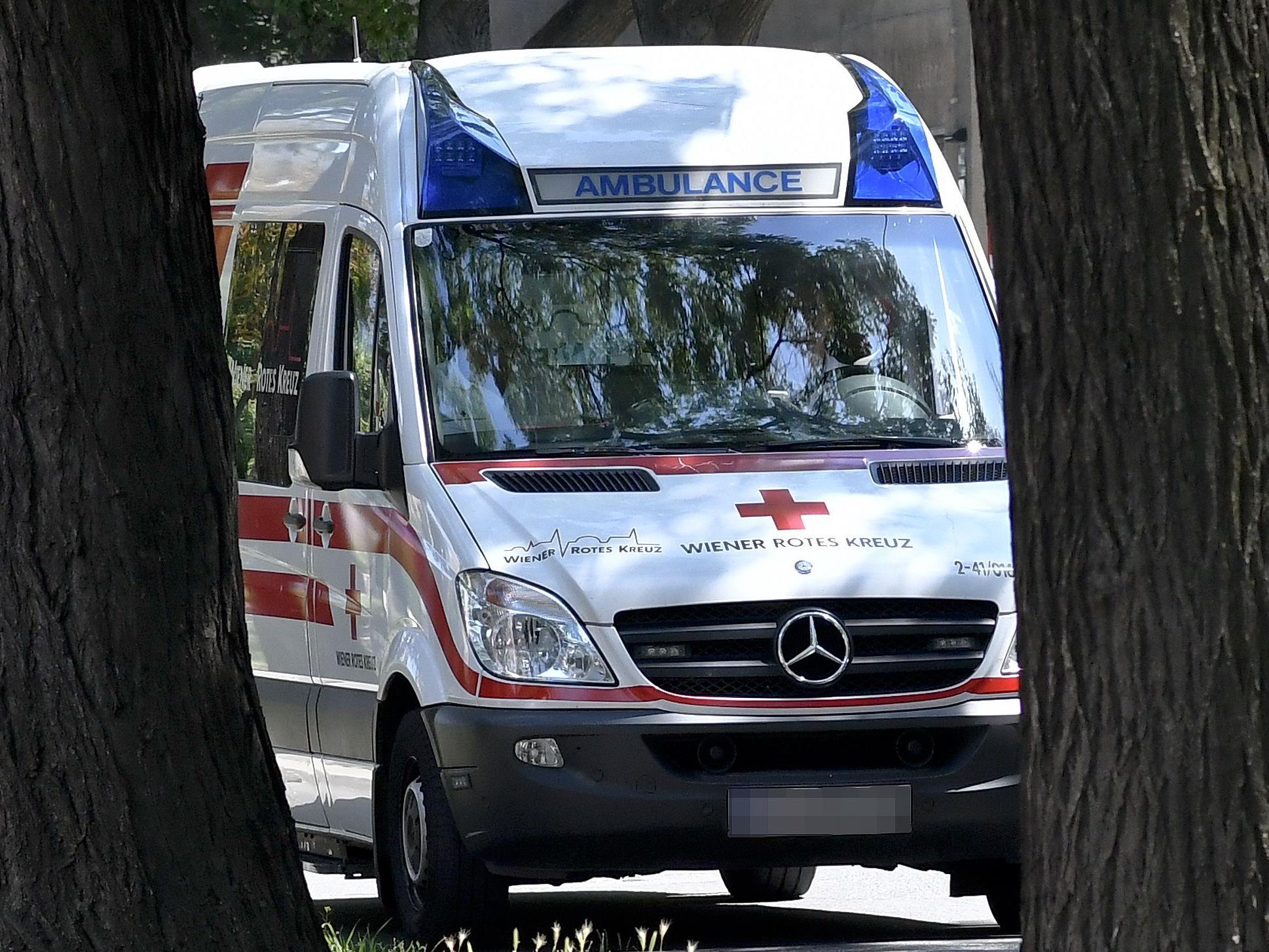 Sanitäter des Wiener Roten Kreuzes stehen vor der Kündigung: Reformen angekündigt.