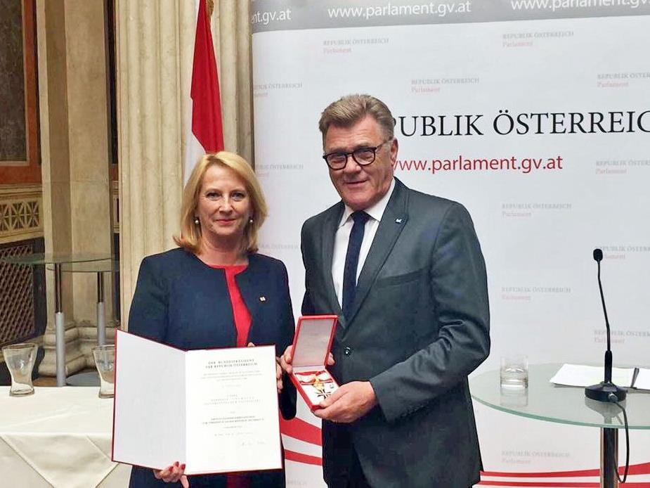 Nationalratspräsidentin Doris Bures und Nationalratsabgeordneter Bernhard Themessl