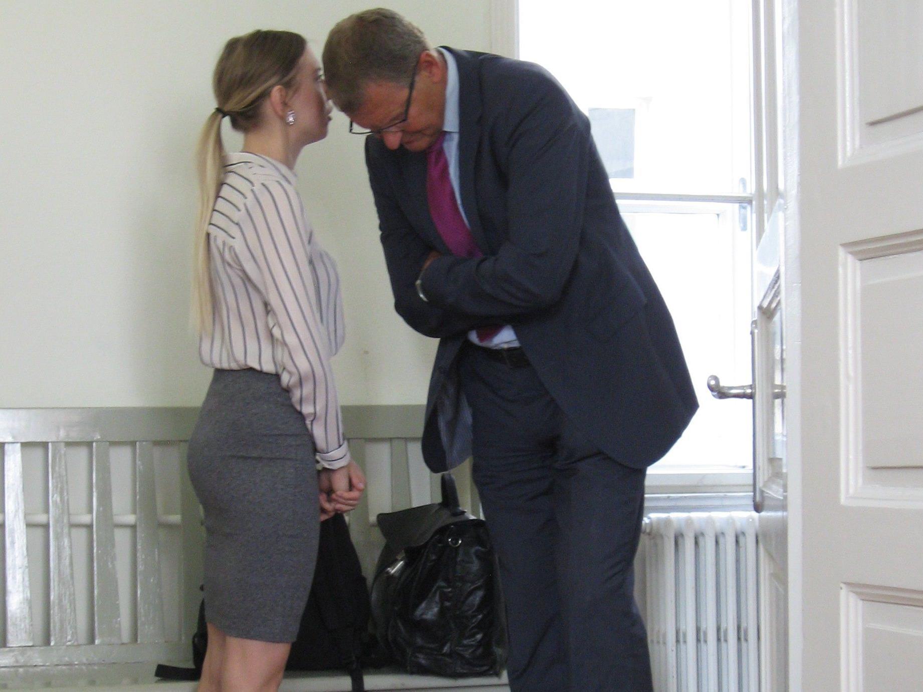 Anwalt Andreas Ermacora und Klägerin Kristina V.