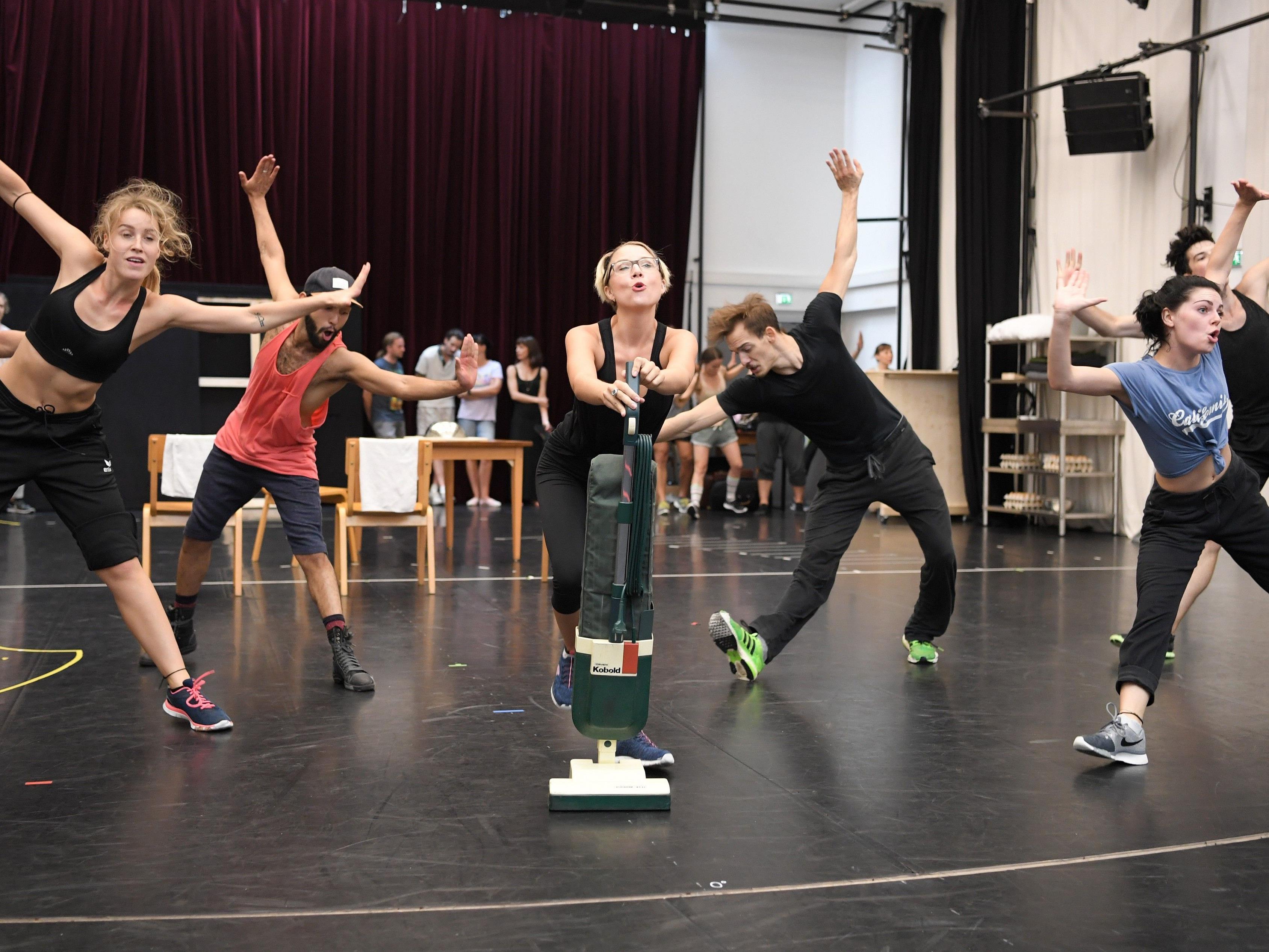 "Das Musical ""I am from Austria"" wird im Raimundtheater Premiere feiern."