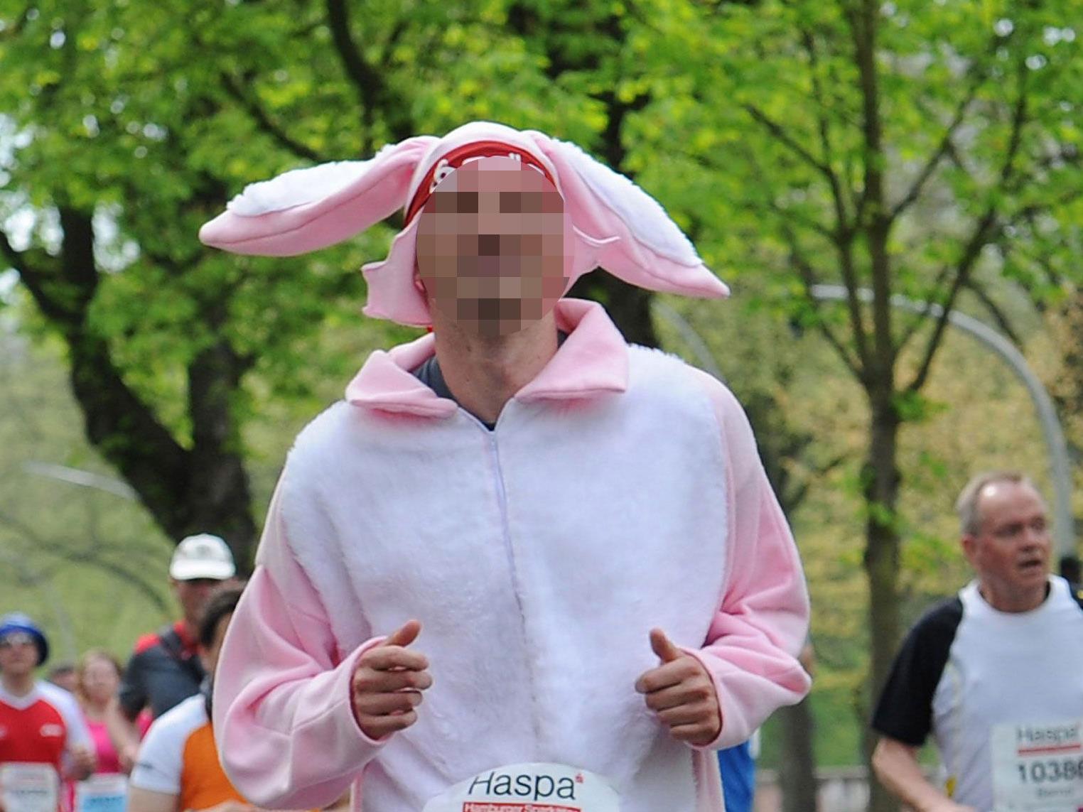 Die Suche nach einem rosa Hasen läuft.