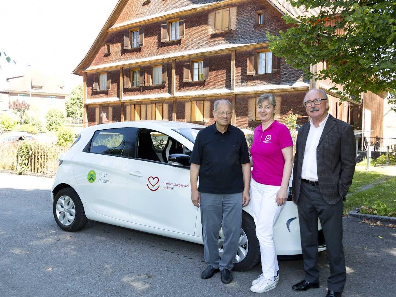 KPV-Obmann Herwig Thurnher, Pflegeleiterin DGKP Barbara Klocker, Agrar-Obmann Werner Abbrederis.