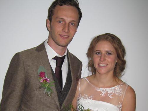 Das frisch vermählte Hochzeitspaar Julia und Johannes.