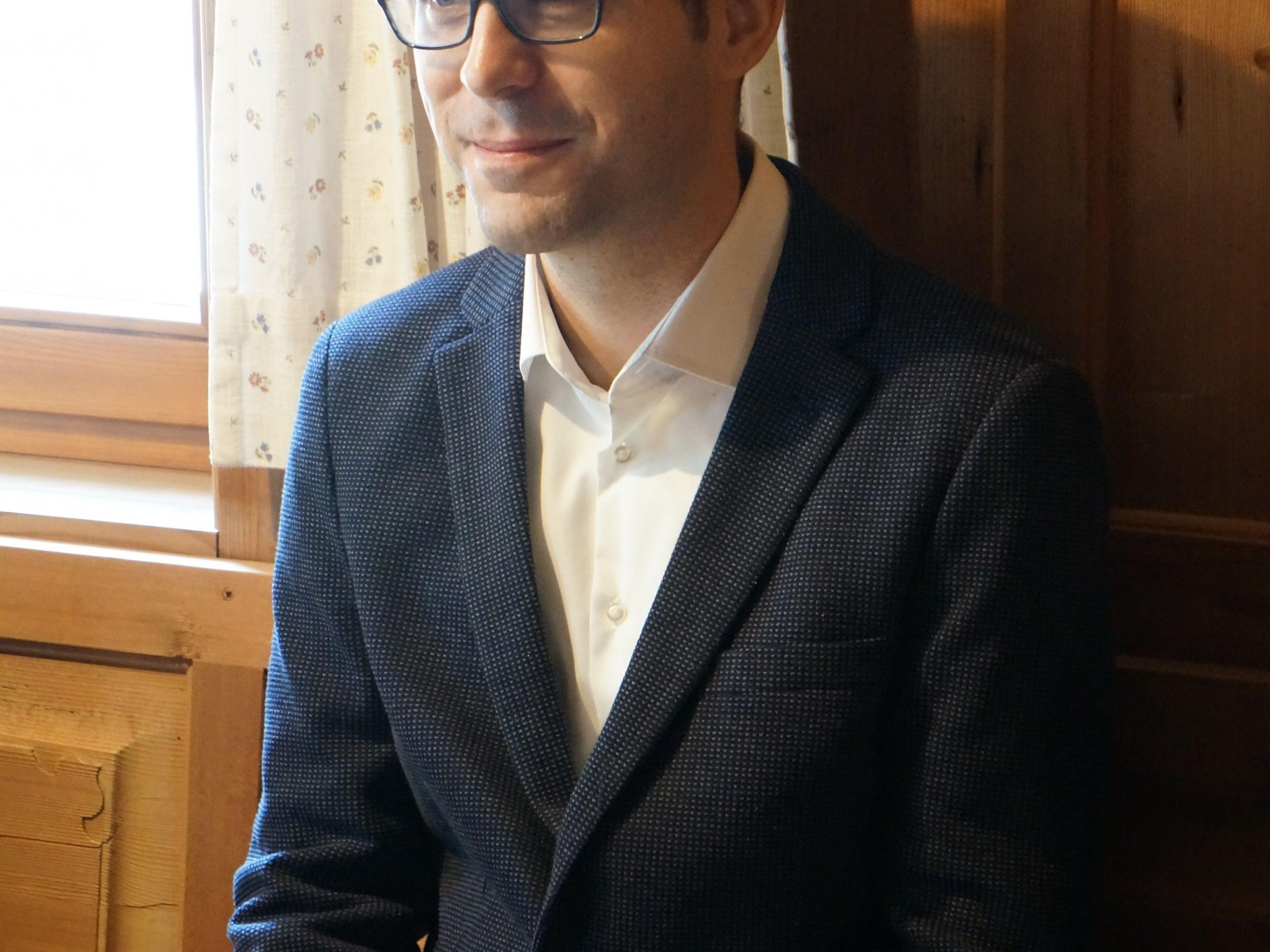 Der aus Au-Rehmen stammende Mathias Moosbrugger ist auf Einladung von Burkhard Wüstner zu Gast im Kulturraum im Gasthaus Löwen.
