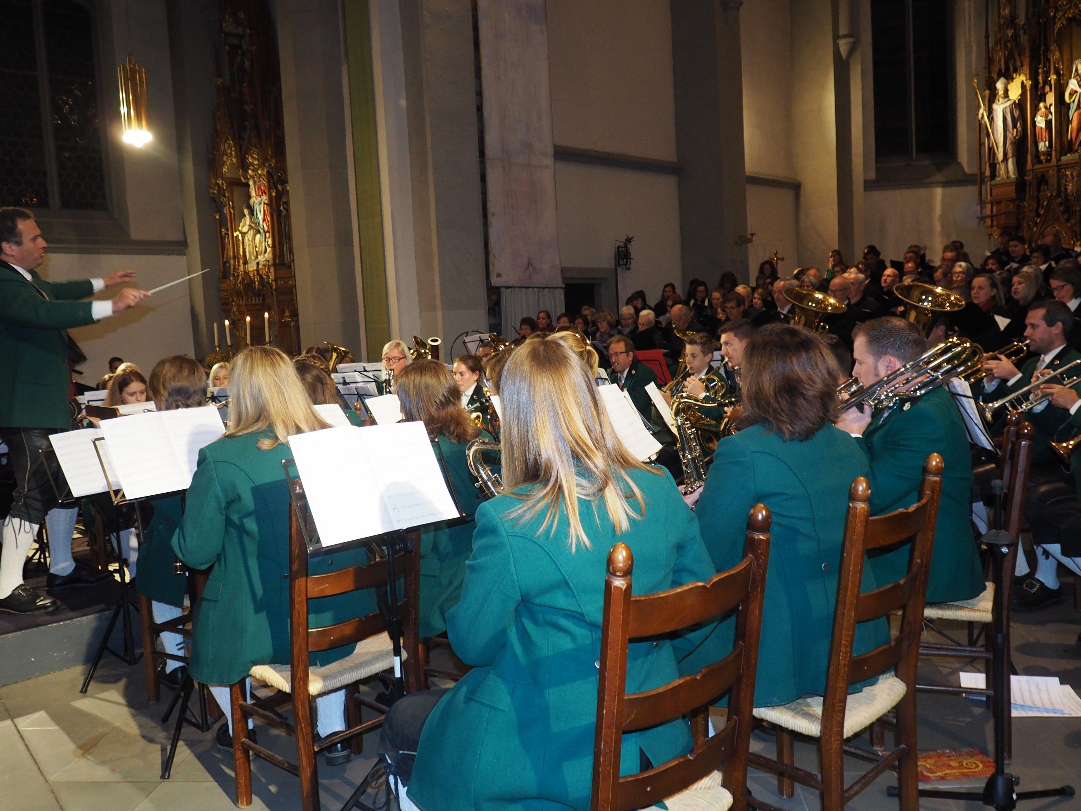 Beeindruckendes Gemeinschaftskonzert der Frastanzer Chöre und des Musikvereins Frastanz.