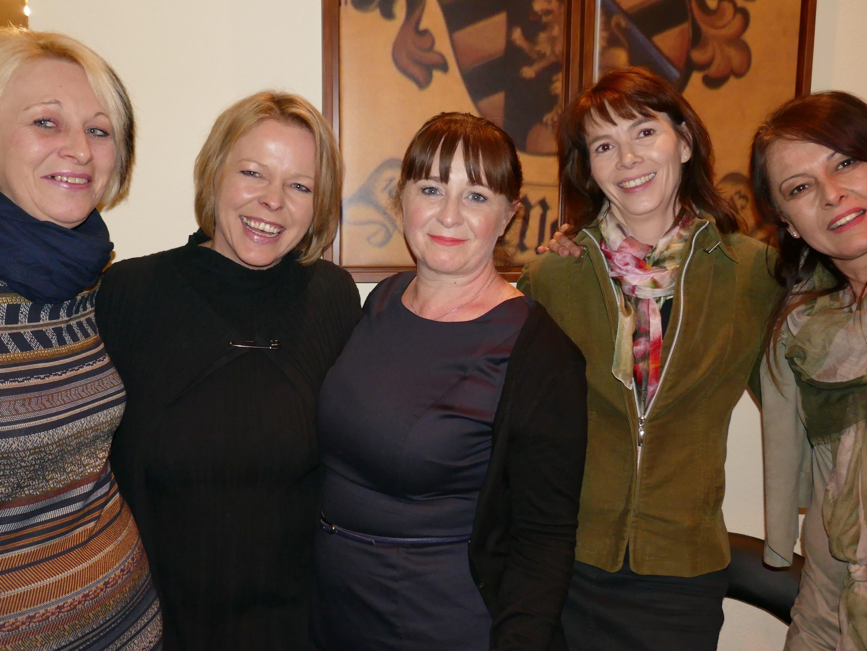 Hotel Chefin Monika Matt (2. v. li.) mit ihrem Team: Elisabeth, Susanne, Irene und Nena.