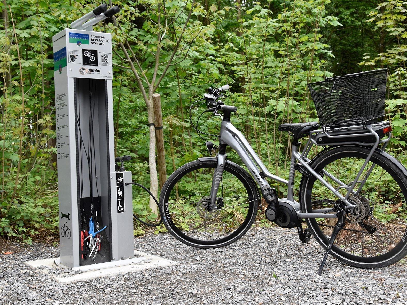Eine der drei neuen Fahrradservicestellen in Rankweil.