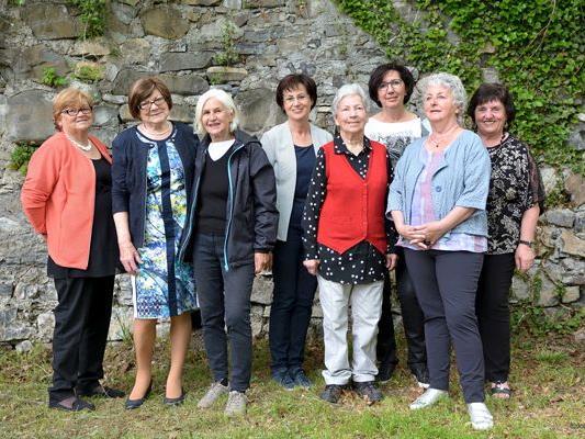 v.l.n.r.: Irene Würbel-Walter, Annelies Zerlauth, Irma Hirschauer, Astrid Marte, Hannelore Kaufmann, Eva Gantner, Eva Maria Dörn und Anni Mathes
