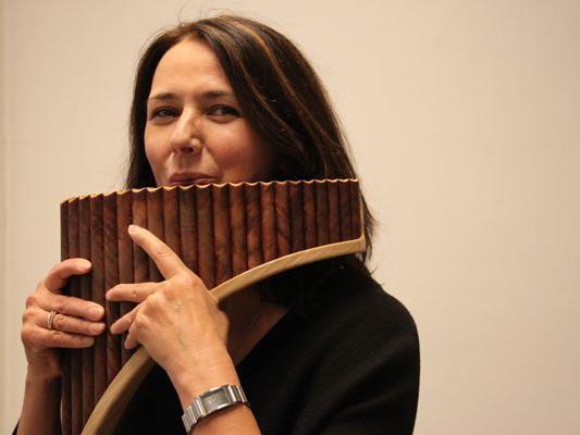 Sabine Kranabetter gibt Schnupperkurse und Unterricht auf der Panflöte.