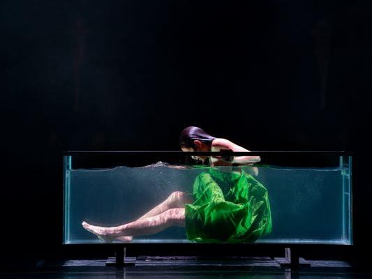 """Siren"", Company Danish Dance Theatre"