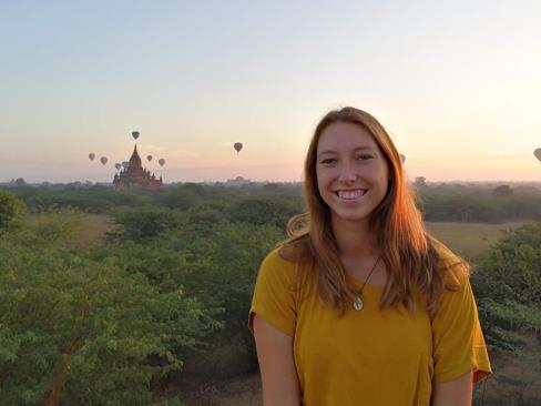 GlobetrotterInnen teilen ihre Erfahrungen via Zoom mit allen Interessierten und beantworten ihre Fragen.