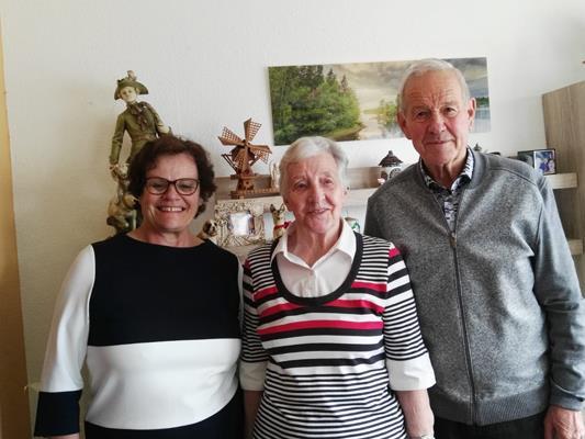 Herzliche Wünsche für die Jublilarin Hannelore Zach zum 85-iger