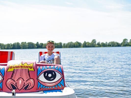 """Unter dem Motto """"Urlaub schreibt man mit Ö!"""" geben Jugendliche unter www.jugendkarte.at/öurlaub Insidertipps für den Sommer in Österreich."""