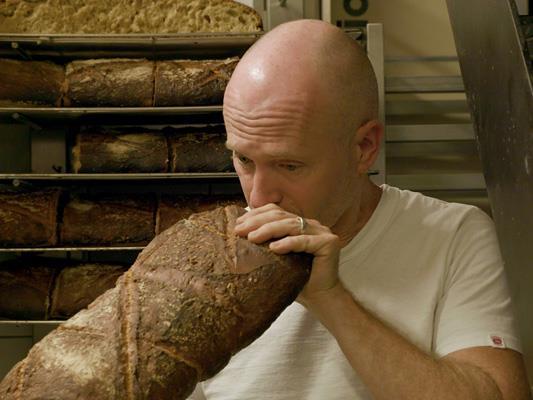 Harald Friedls Dokumentarfilm beleuchtet das Grundnahrungsmittel schlechthin und untersucht dessen Stellenwert.