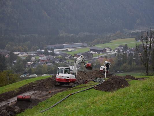 Die Errichtung eines Ortskanals im Bereich Lötsch ist in vollem Gange.