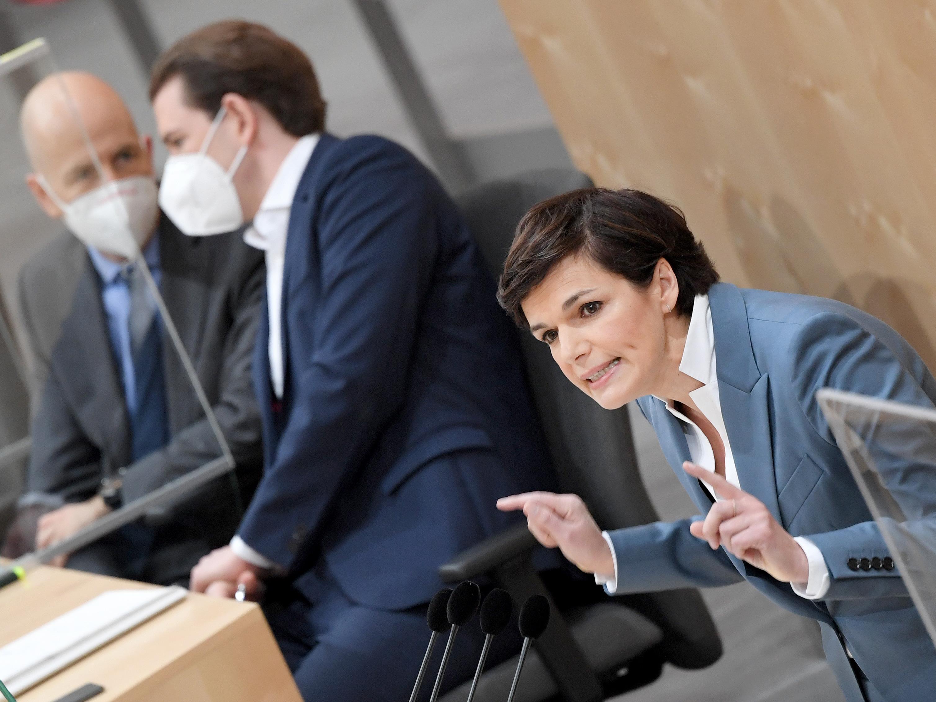"""Laut Rendi-Wagner seien die Hilfen """"zu wenig, zu spät und zu bürokratisch""""."""