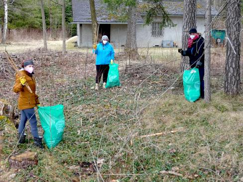 Bei der diesjährigen Landschaftsreinigung haben in Bludenz wieder zahlreiche freiwillige Helferinnen und Helfer mitangepackt.