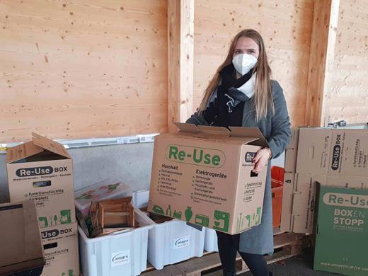 Eine Re-Use-Box kann man in fünf ASZ, zwei Bauhöfen und einem Werkhof abholen und gefüllt wieder dorthin zurückbringen.