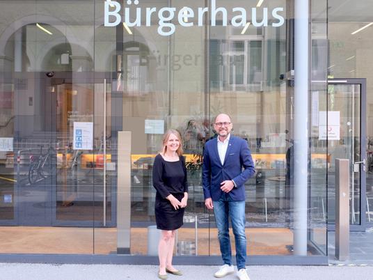 Bürgermeister Michael Ritsch mit Andrea Trappel-Pasi