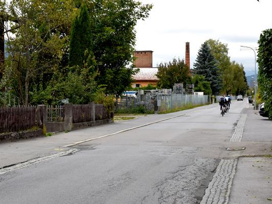 Ab Montag, 4. Oktober, wird in der Kalrenbrnnstraße im Zuge der zweiten Sanierungsetappe wieder gegraben.